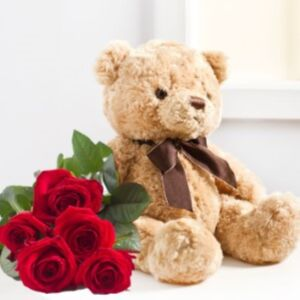 SEVEN RED ROZES AND TEDDY BEAR